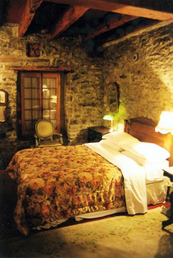 blog pic for bev - bed in castle
