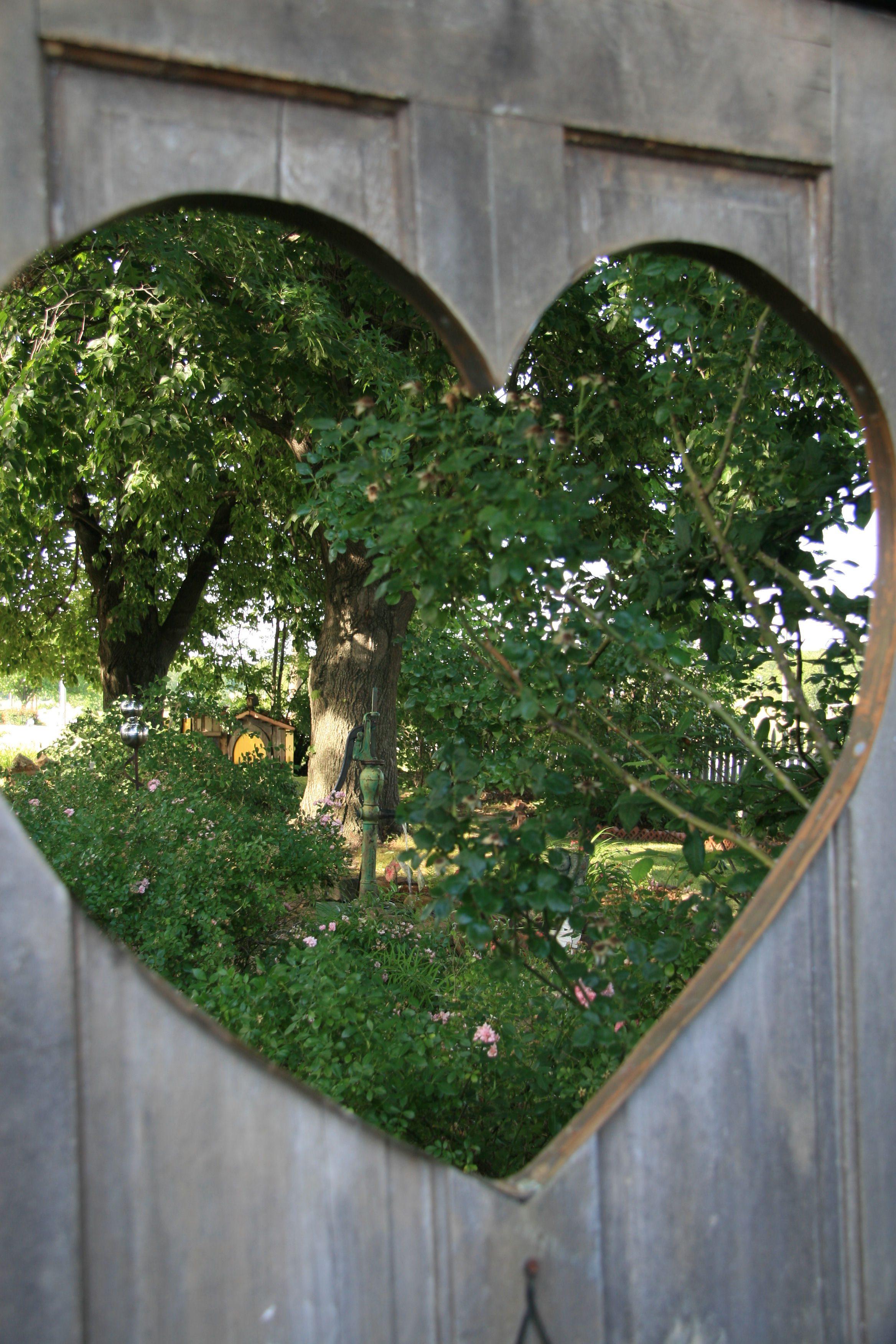 heart-in-gate